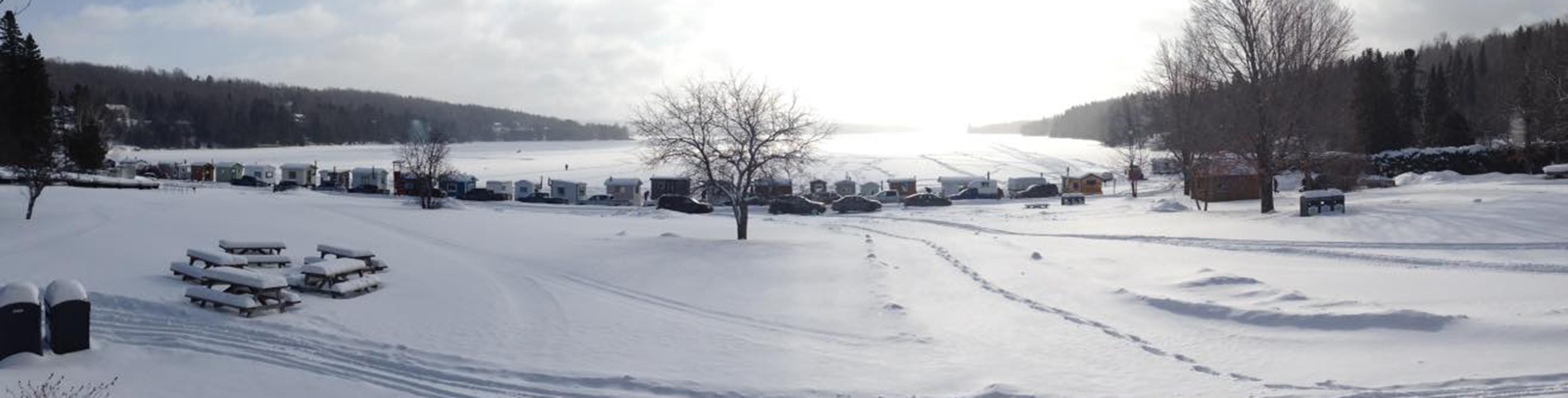 Village pêche blanche Baie-des-sables